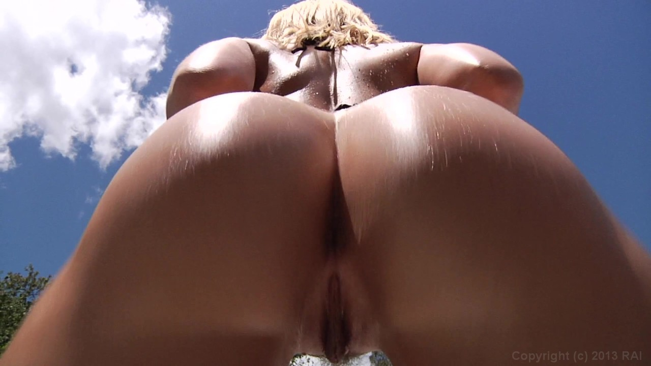 image Battle of the asses juliana vega vs lela star