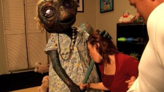 Screenshot #16 from E.T. XXX: A Dreamzone Parody